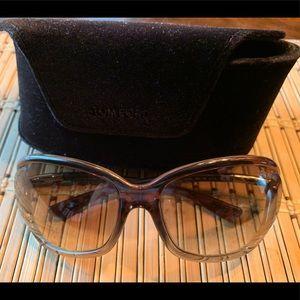 Tom Ford women's sunglasses Jennifer style. Brown